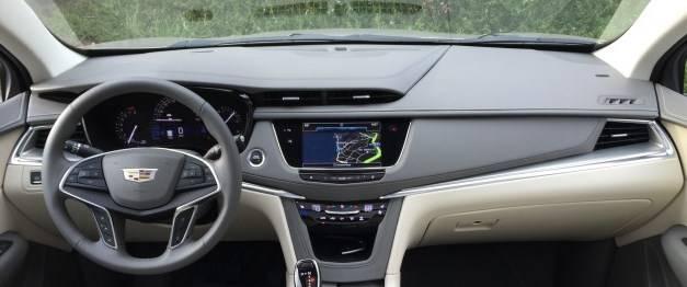 Dash Cover - Cadillac XT5 2017