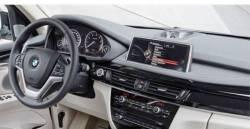 dash with center pop-up speaker