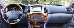 Lexus LX 470 dashboard