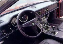 Pantera dashboard with 3 round vents and driver side hump