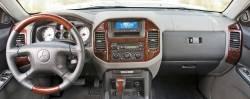 2005 Mitsubishi Montero dashboard