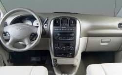 Chrysler Town & Country dashboard